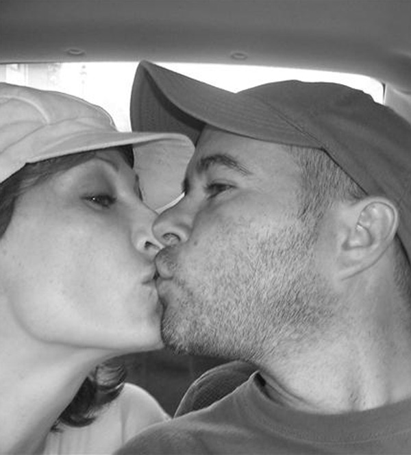 pictures-of-black-couples-kissing-face-smelled